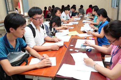 Chấm điểm bài thi THPT Quốc gia được làm tròn đến 2 chữ số thập phân