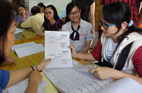 Hồ sơ đăng ký thi THPT Quốc gia bao gồm những gì?