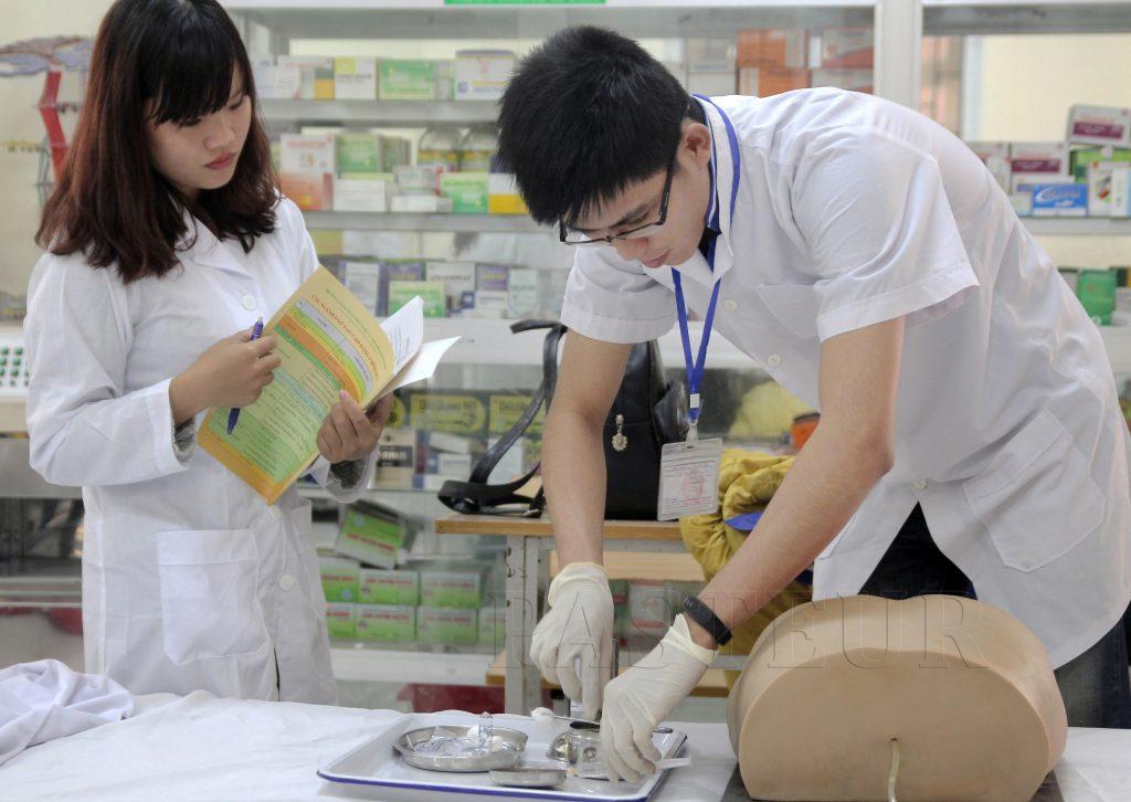 Nhiều trường đại học mở thêm ngành Y đa khoa
