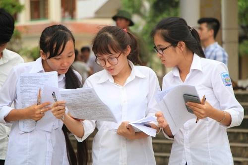 Chỉ xét tuyển 50% thí sinh ngoài khu vực TP.HCM