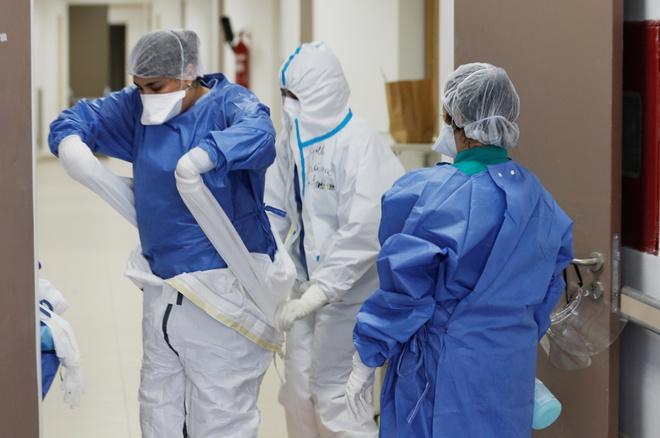 Ít nhất 90.000 y bác sĩ trên thế giới đã mắc Covid-19